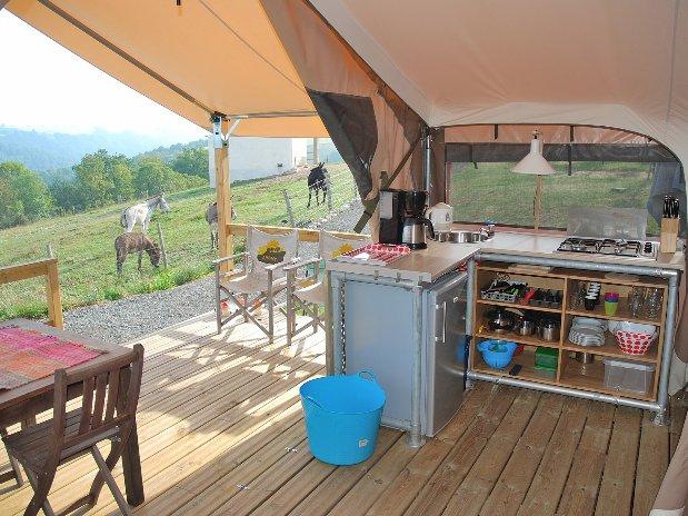 Camping Le Clapas tentes lodge cuisine