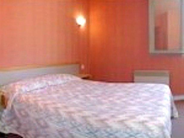 Chambre 2 Personne Hotel Restaurant SPA le Bout du Monde Cantal Saint Flour