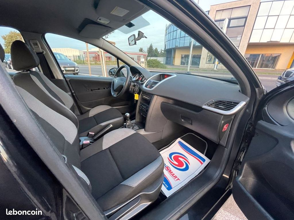 Peugeot 207 1.4HDI 70CV WC8HZC