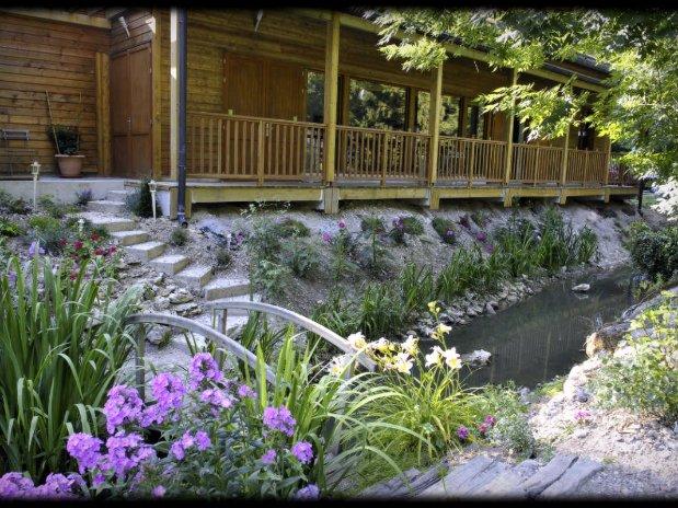 pavillon iris-location salle-rivière-énergie renouvelable-moulin de lonceux- garnet