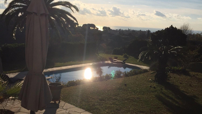 Jardin-Piscine-Villa-Antoline-Cagnes-sur-mer