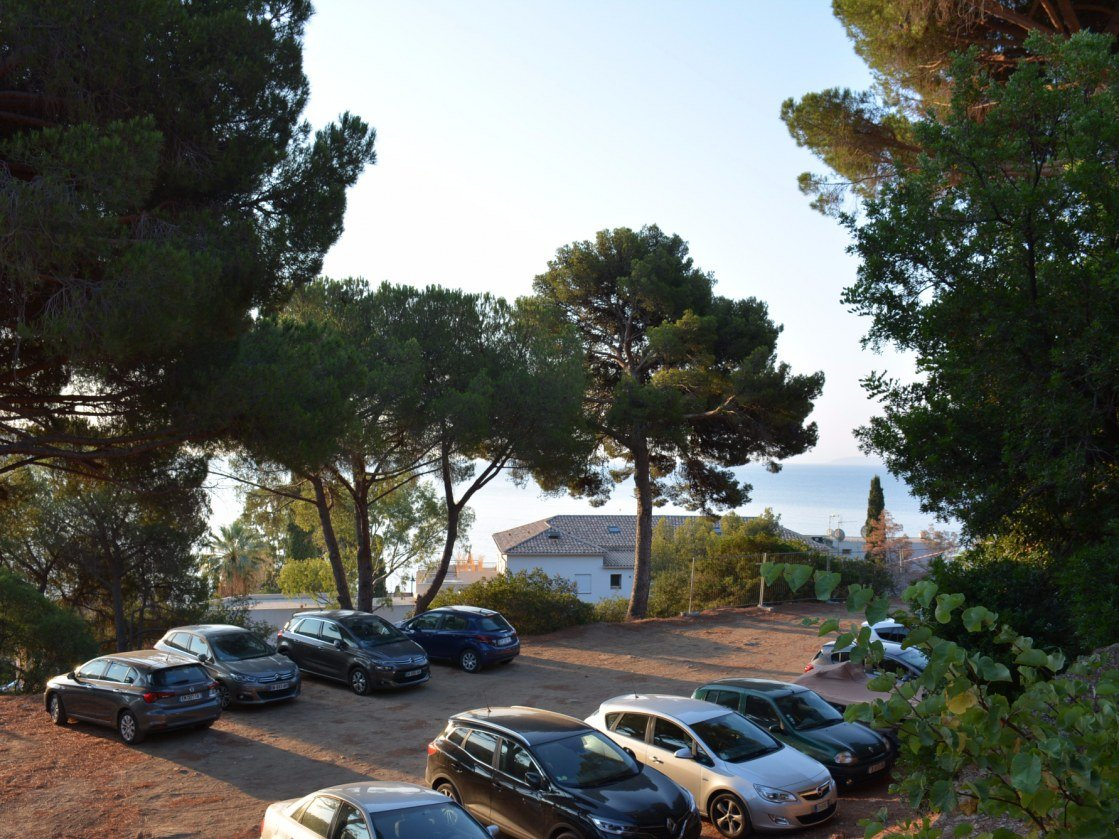 hôtel-de-charme-aiguebelle-vue-mer-lavandou-location-parking