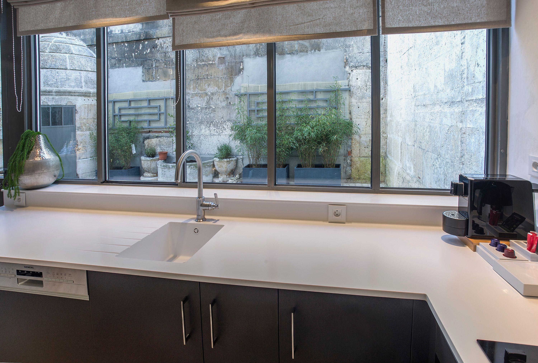 appart-hotel-angouleme-studio-cote-cour-cuisine-vue-sur-la-cour