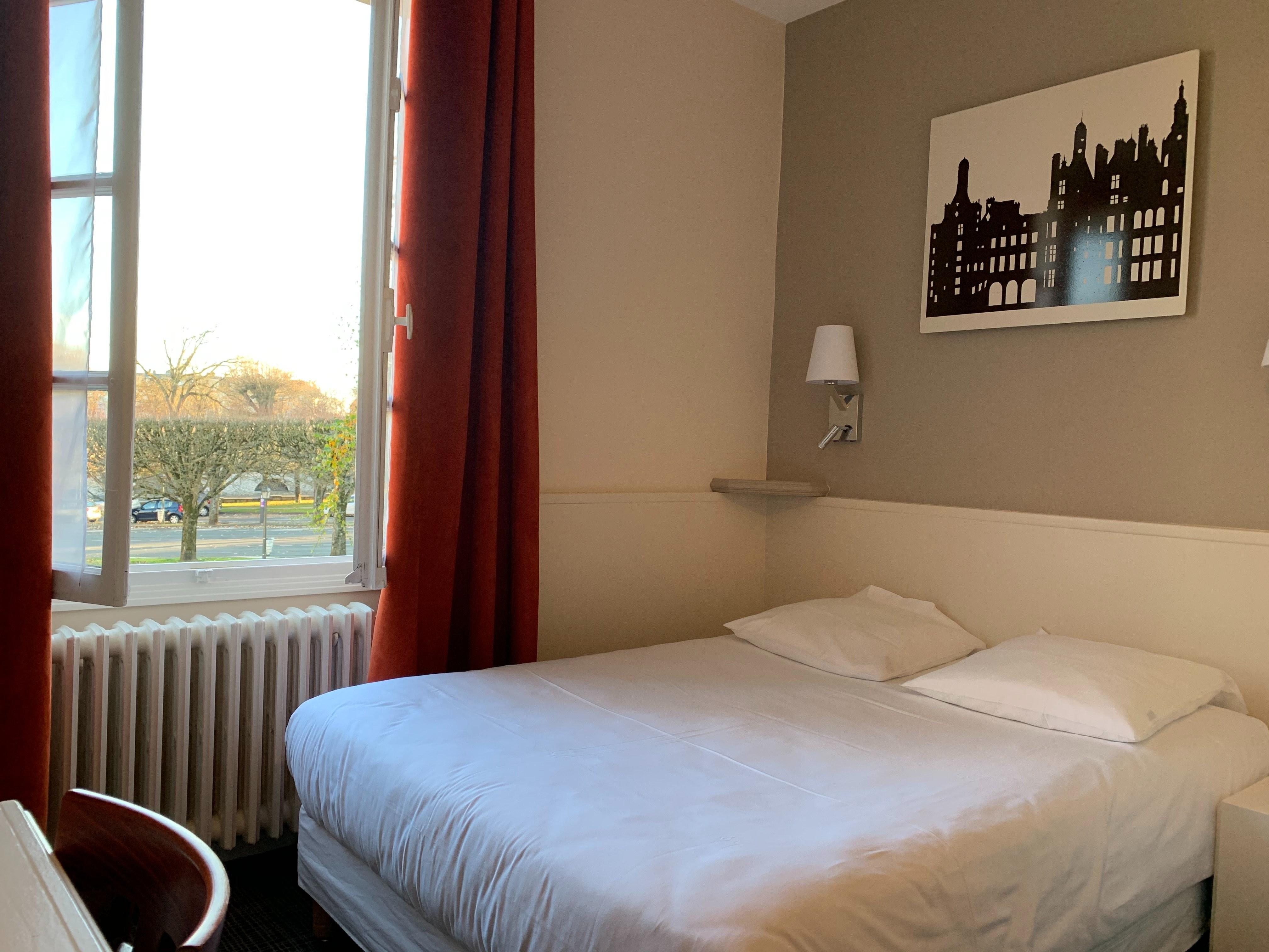 hotel-anne-de-bretagne-blois-centre-ville-chambre-double-tradition-2-personnes