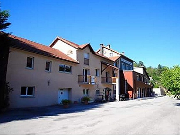 parking Hotel Le Bout du Monde Saint-Flour Cantal