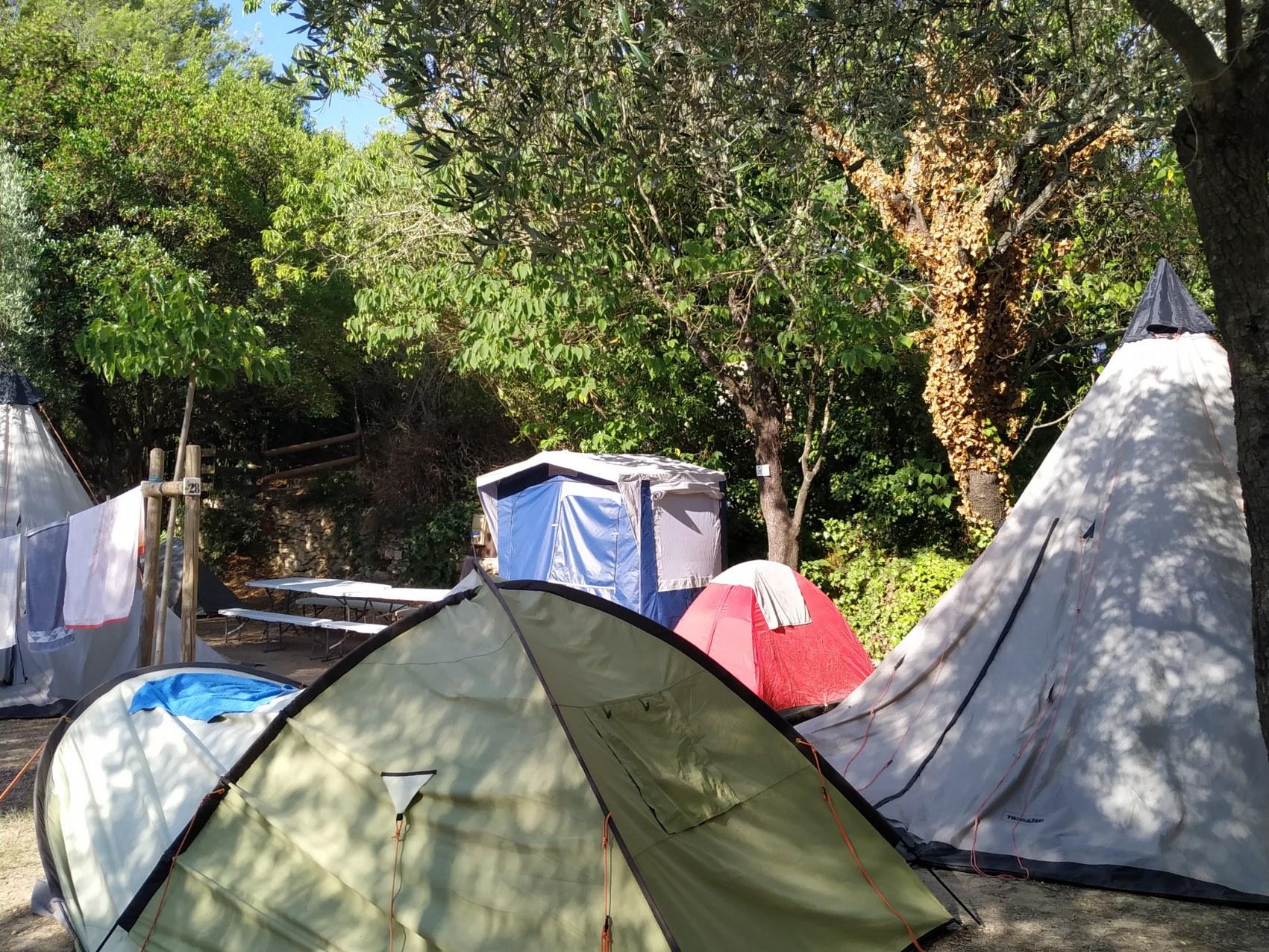 Camping l'olivier - Junas