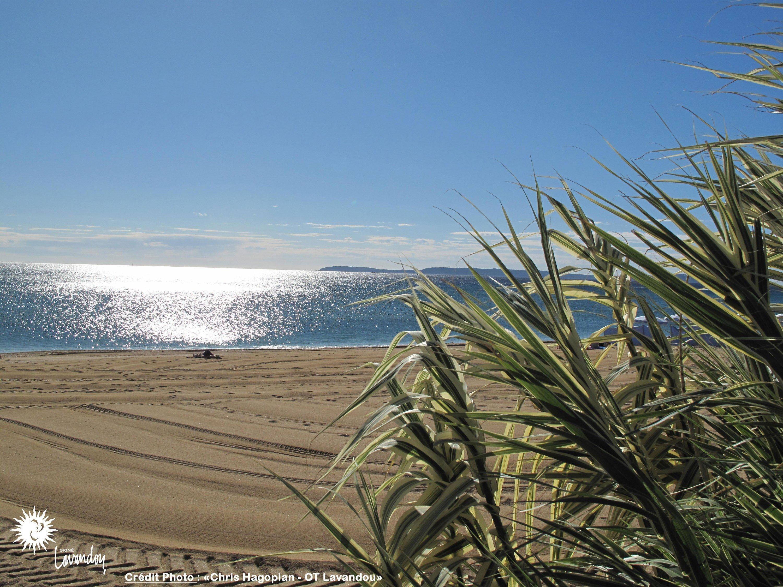 Hotel-bord-de-mer-var-cote-d-azur-plage-anglade
