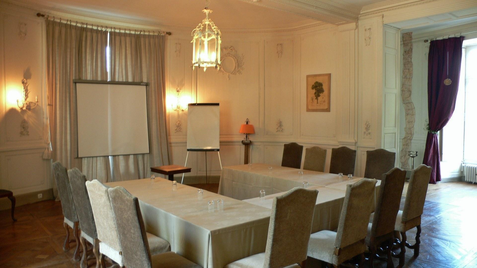 Salon blanc au Château