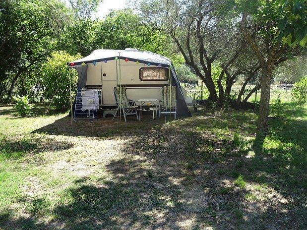 camping l'olivier - Nîmes - Sommières - emplacements caravanes et tentes