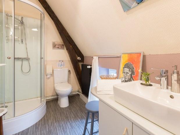 la salle de bain de Nino et Léo