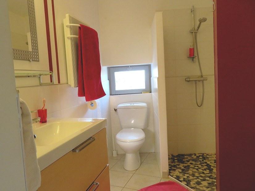 Salle de bain studio Roc Blan
