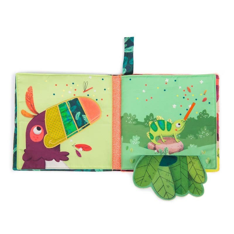 livre-tissu-d-activites-dans-la-jungle-moulin-roty (1)