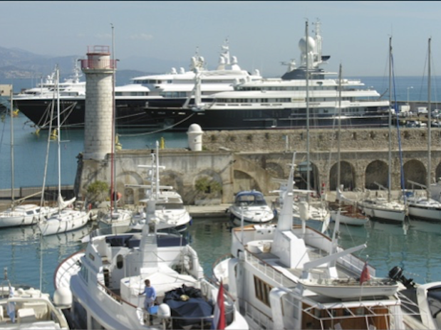 Bateaux Port Vauban Antibes Cote dAzur