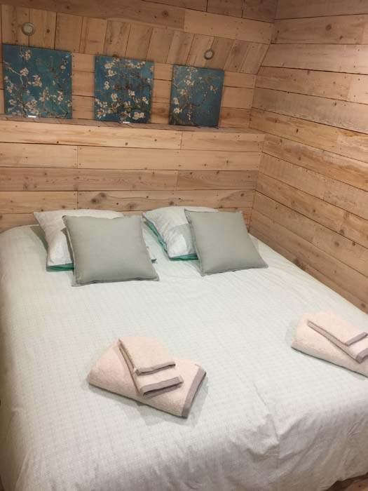 Réservez votre séjour dans notre chambre à Volonne