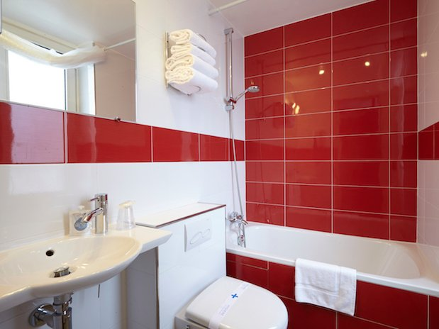 salle de bain hotel Kyriad république