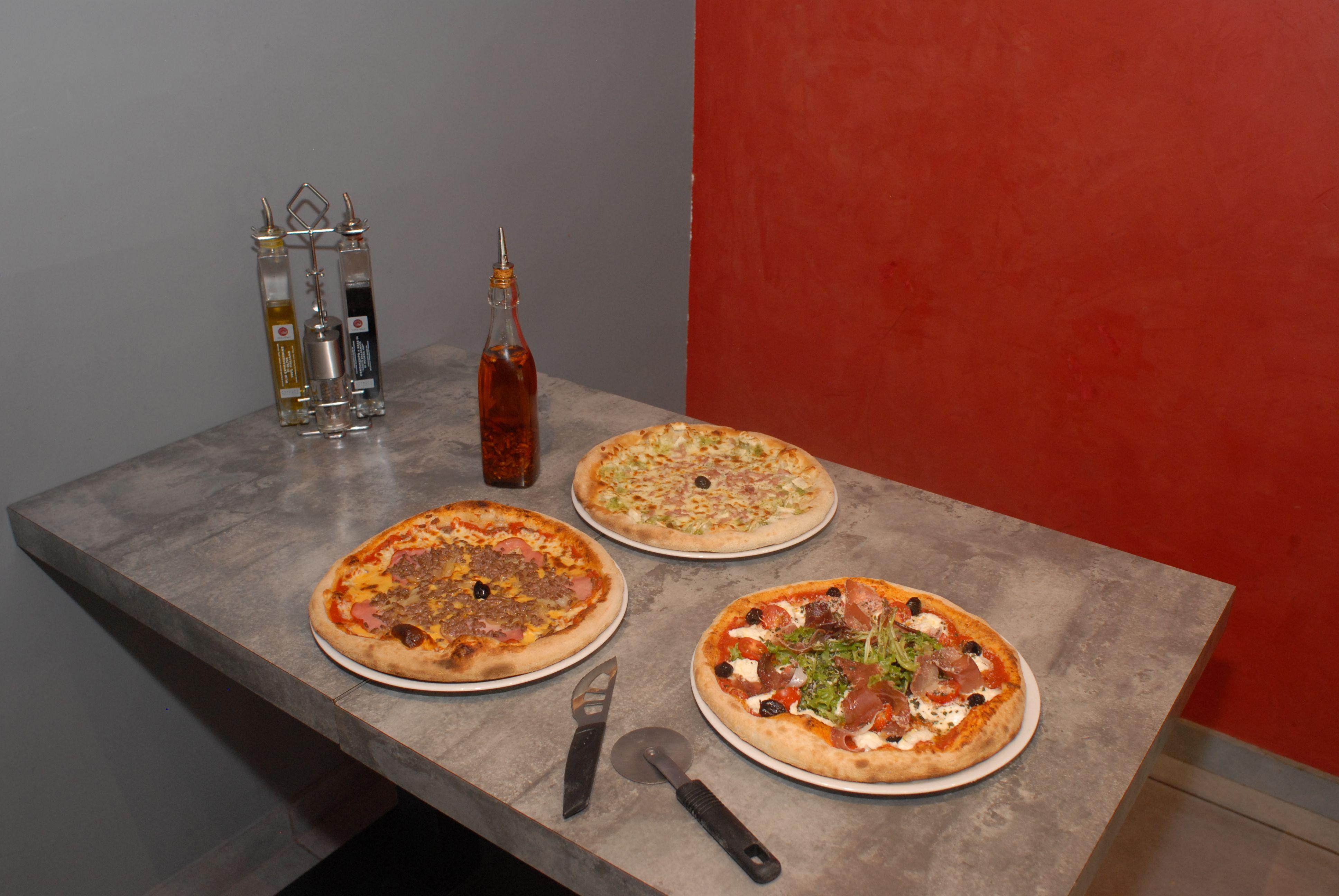 restaurant-pizzeria-echirolles-pizza-trio