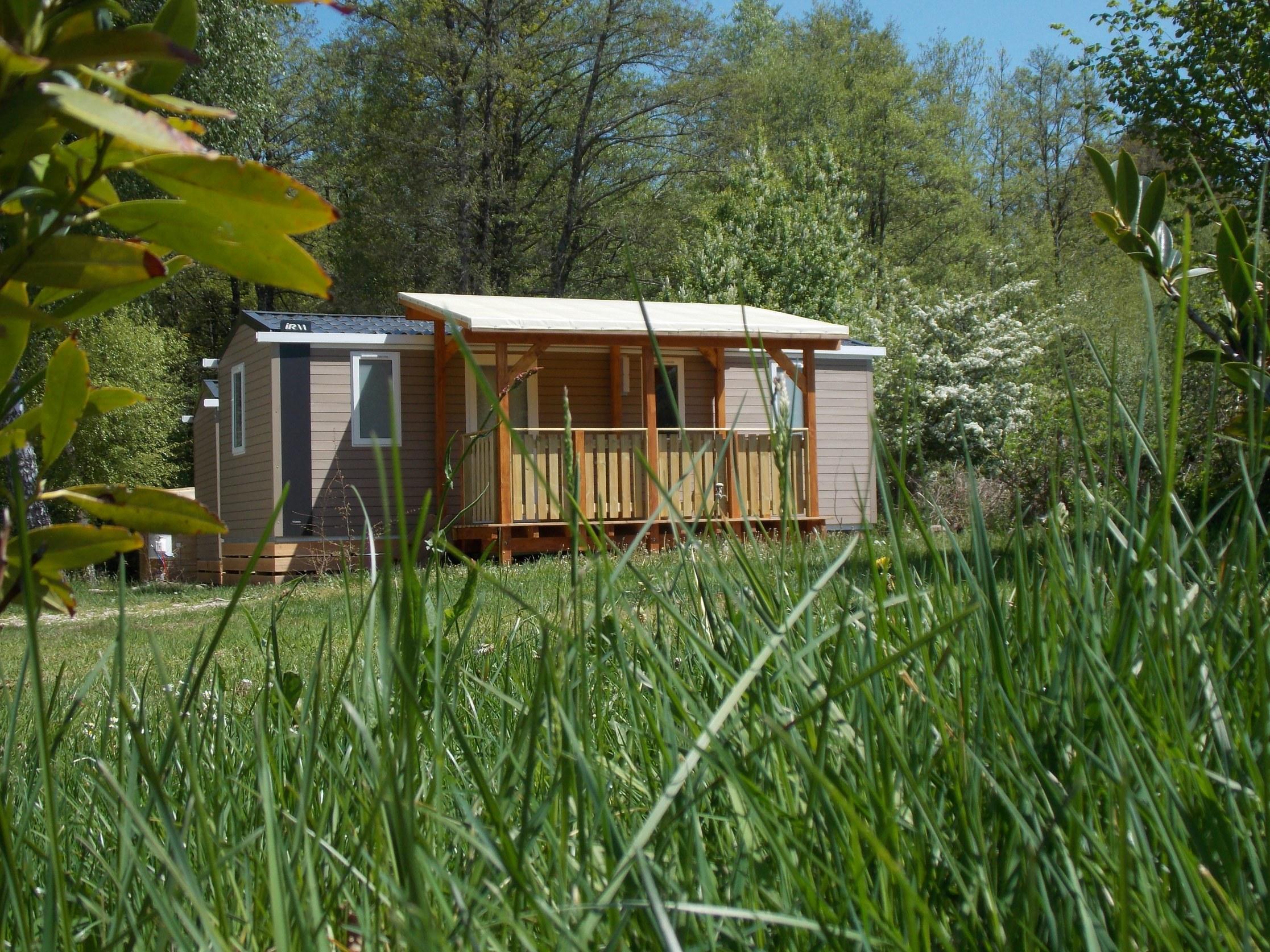 Mobilhome extérieur camping vosges