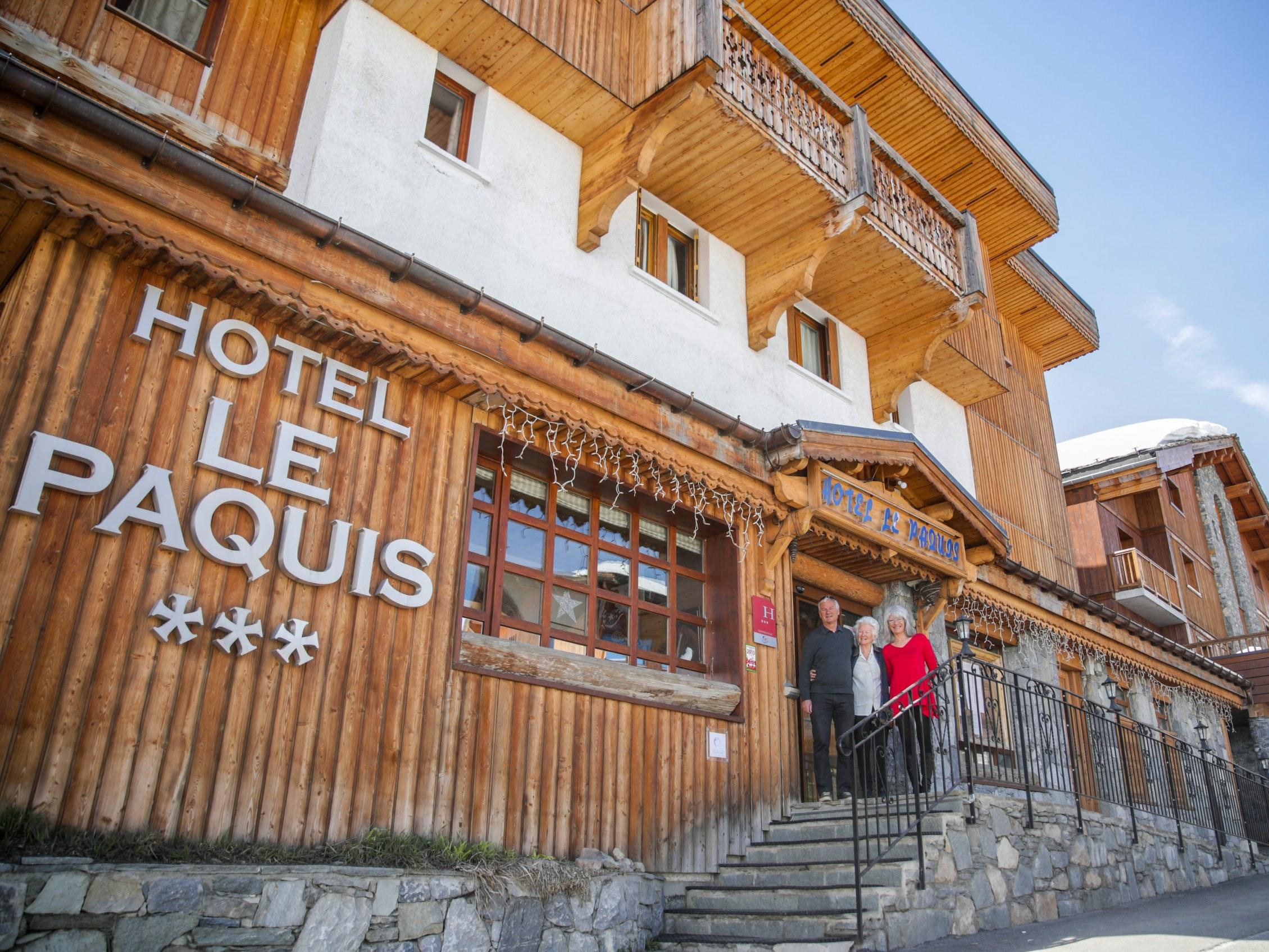 hotel-tignes-le-lac-familial-3-etoile-neige-facade