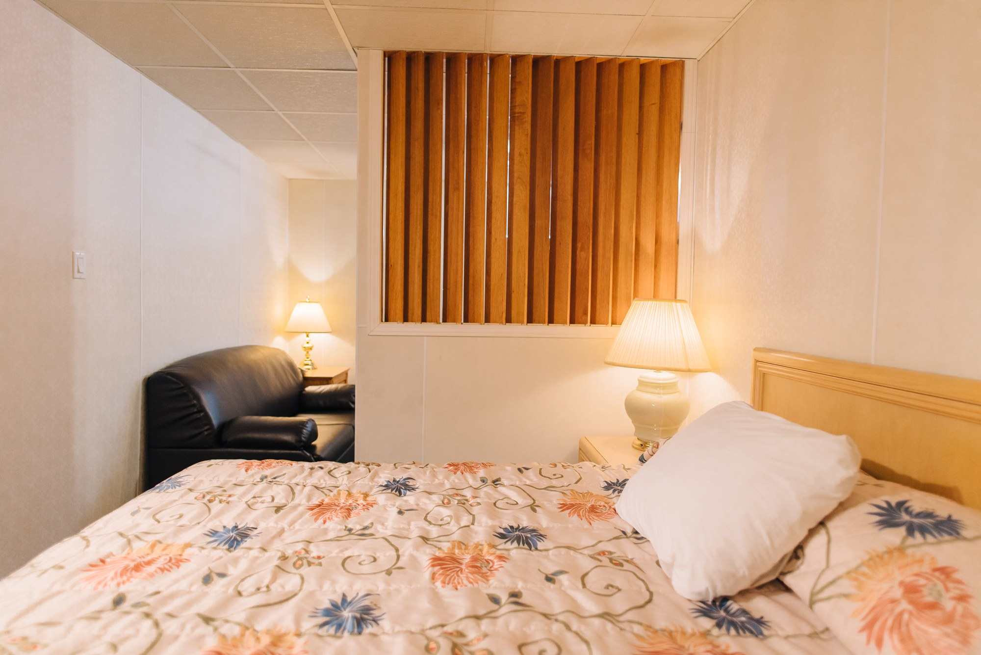 Hotel-centre-ville-rouyn-noranda-garçonnière-1