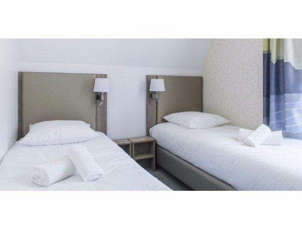 villa-bettina-la-baule-ussim-vacances-chambre-double-lits-simples