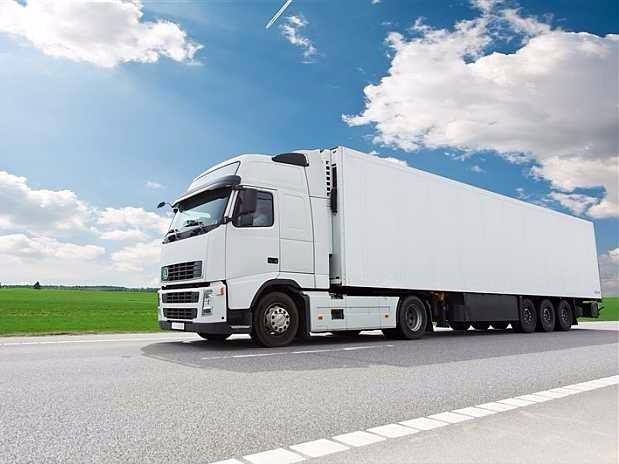 pr sentation des produits services passer son permis de conduire en sarthe permis c ce camion. Black Bedroom Furniture Sets. Home Design Ideas