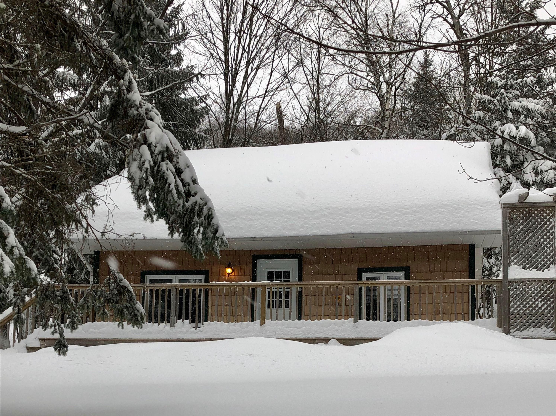 location-chalet-mont-tremblant-le-petit-chalet-exterieur-hiver