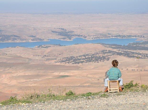vue sur le lac takerkoust - riad chamali - marrakech - maroc