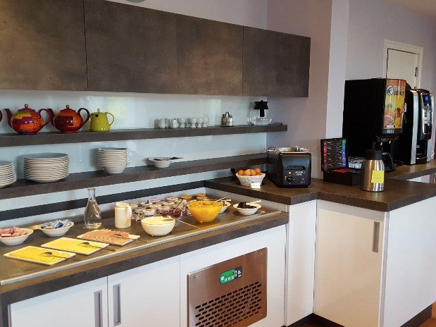 cozy-hotel-cosy-d-affaires-Morlaix-petit-dejeuner-buffet