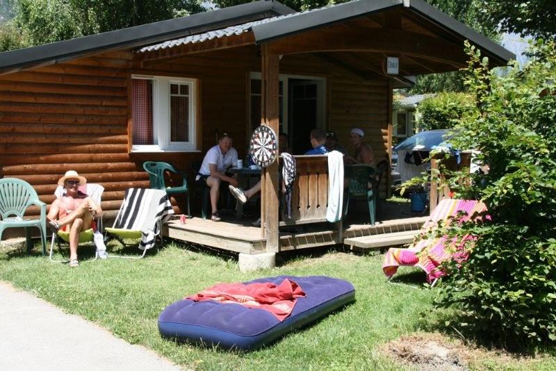 exterieur camping familial montagne Alpes d'Huez