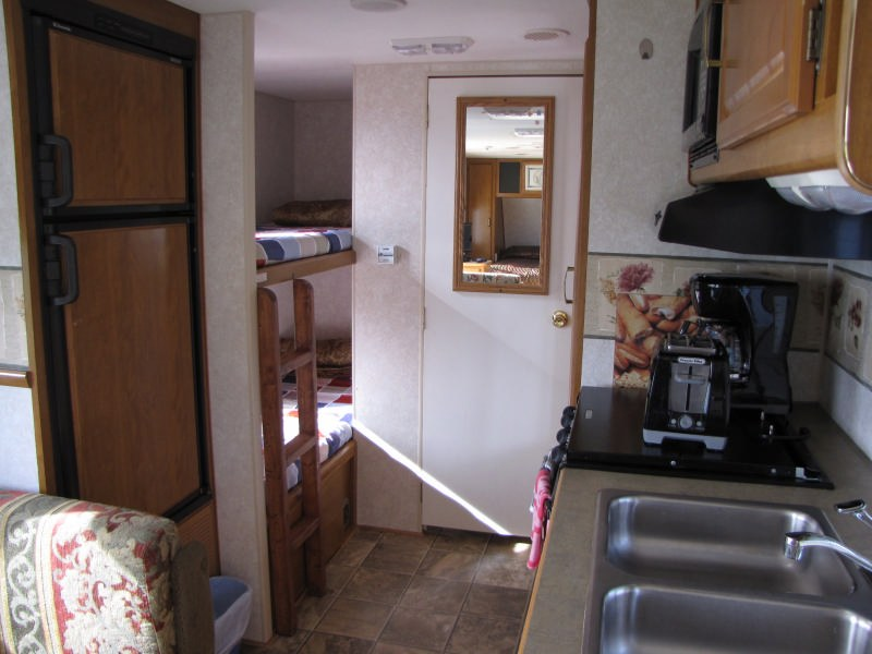 location-roulotte-gaspésie-prowler29-vue-intérieur