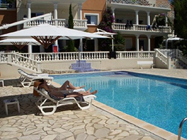 chambres-d-hotes-a-Saint-Raphael-Frejus La potiniere de la piscine