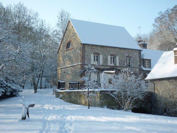 moulin de lonceux-neige-chambres d'hôtes-garnet