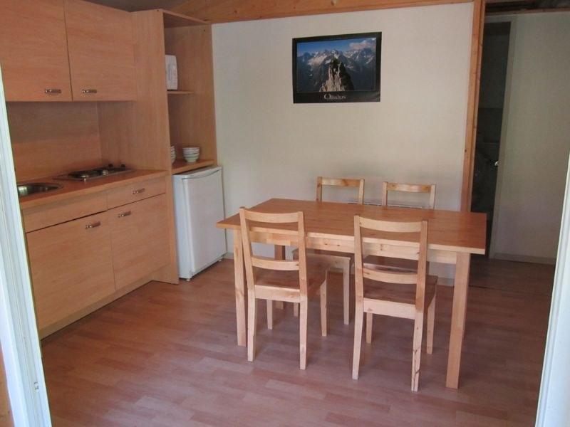 coin salle à manger camping familial montagne Alpes d'Huez