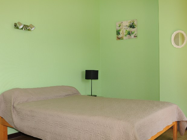 chambre avant lit 2 places