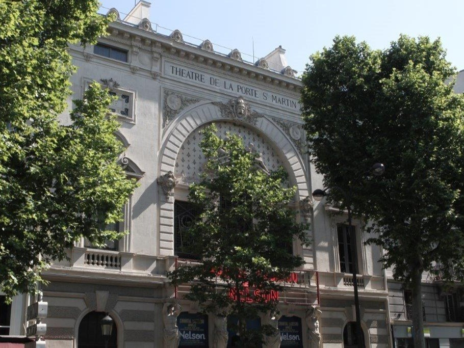 hotel-place-republique-paris-theatre-de-la-porte-saint-denis