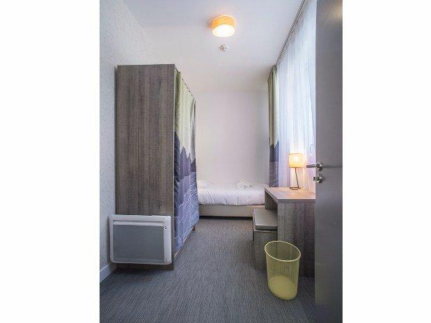 villa-bettina-la-baule-ussim-vacances-chambre-individuelle-lit-simple-placard-bureau