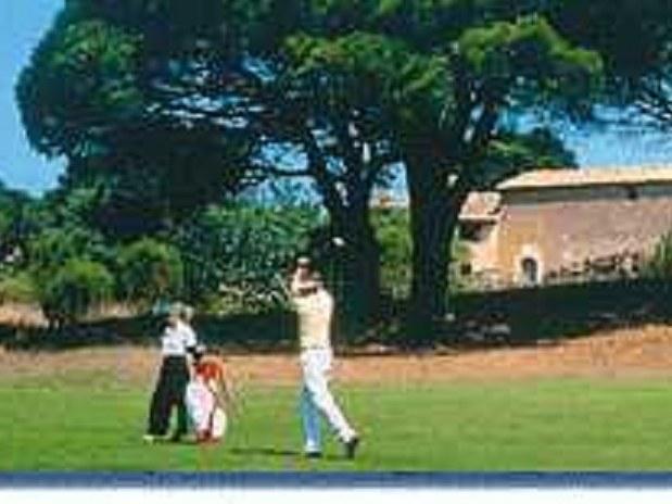 golf-chambres d'hotes-gîtes-studio-appartement-saint raphael-fréjus-var