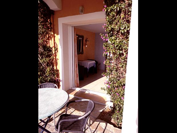 chambres-d-hotes-a-Saint-Raphael-Frejus-exterieur-terrasse