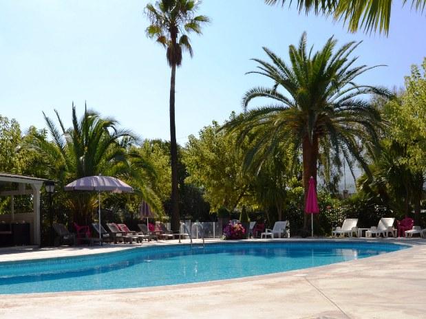restaurant-hotel-en-provence-piscine