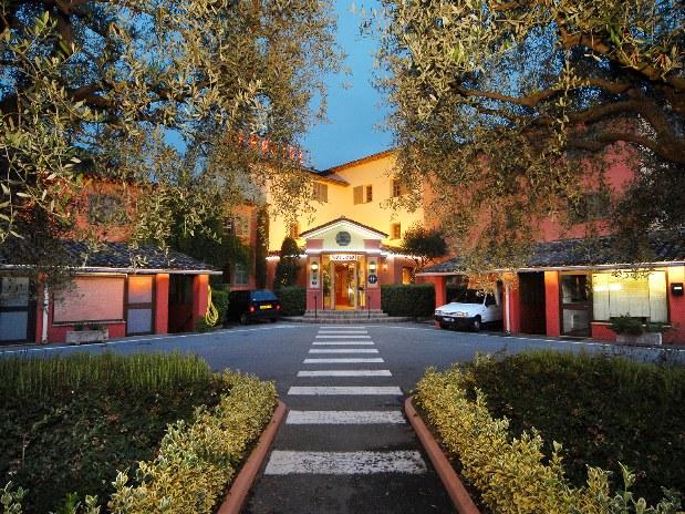 restaurant-hotel-en-provence-entrée