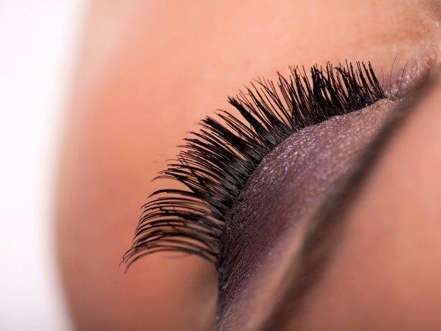 coiffure-artystik-montauban-coiffeur-extension-cils-maquillage-coupe-afro-femme-homme