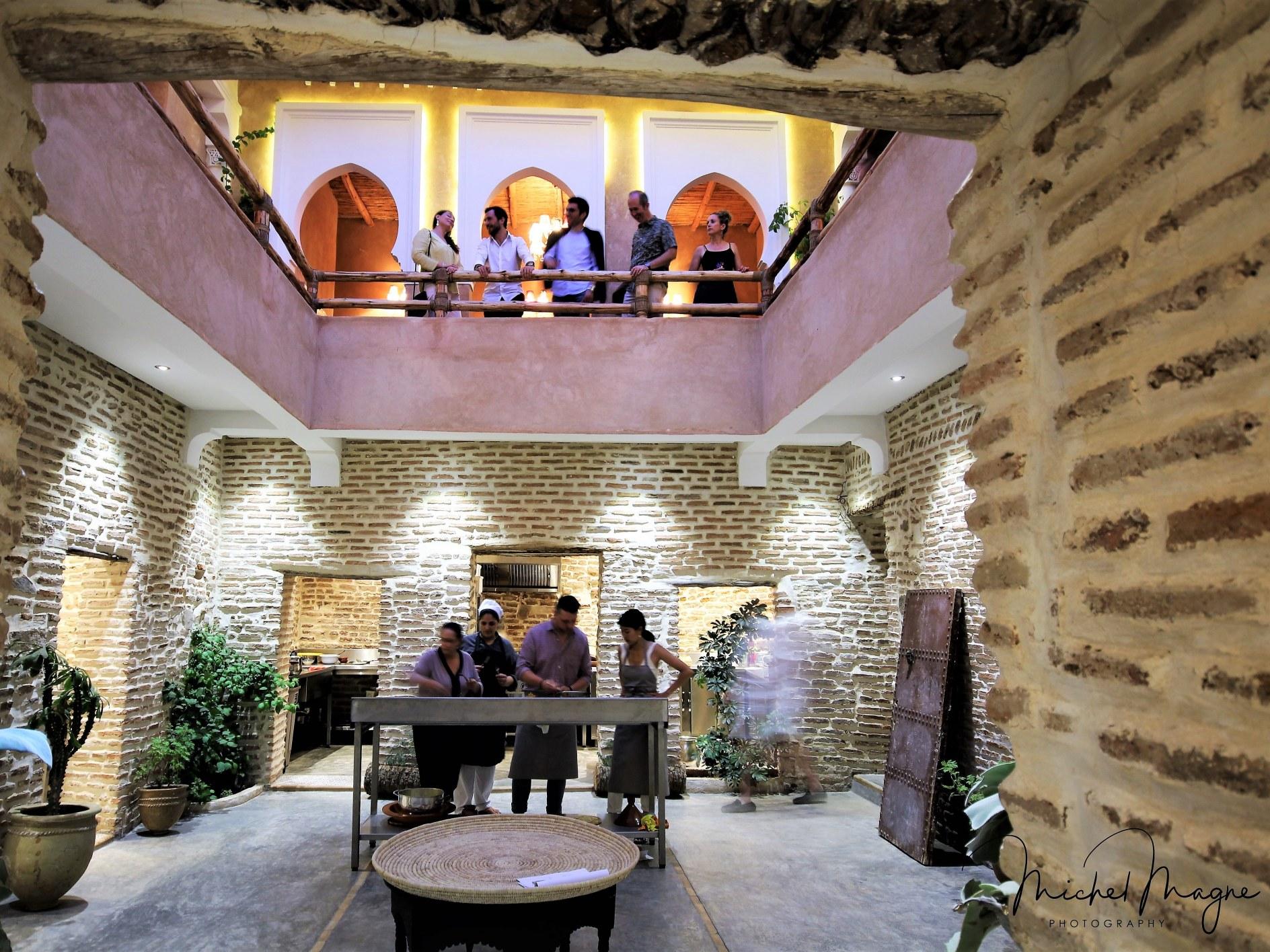 restaurant-marocain-marrakech-salon-cuisine-riad