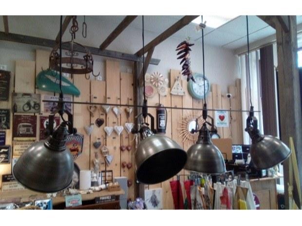 lampe industrielle 4 lumières - Merveilles et Cie
