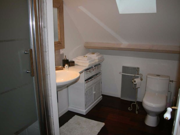 Folle farine-rooms-moulin de lonçeux-bed and breakfast-seminar-bathroom