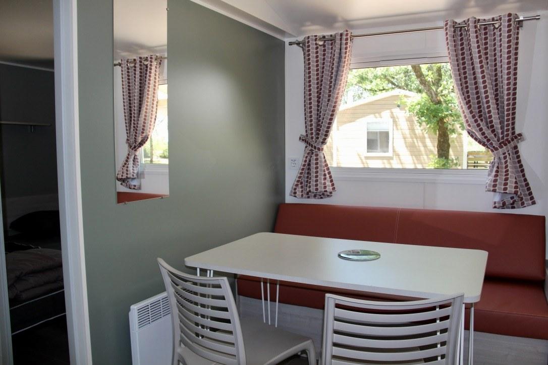 salon mobil-home camping rocamadour Lot piscine chauffée padirac