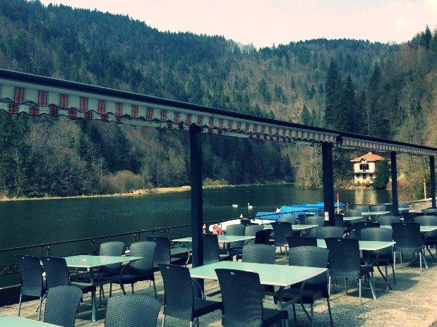 Terrasse Restaurant Maison Monsieur - la chaux de fonds