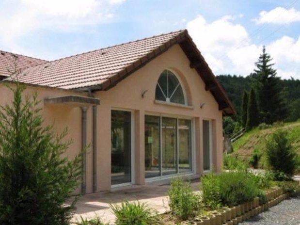façade Hotel Le Bout du Monde Saint-Flour Cantal