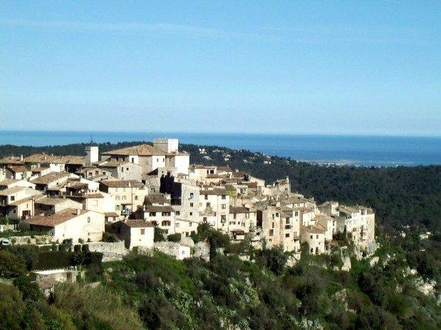 a-proximite-hotel-restaurant-alpes-maritimes-vue-panoramique-tourrettes-sur-loup
