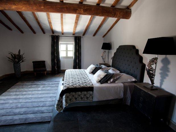 suite spacieuse de luxe maison hôtes provence