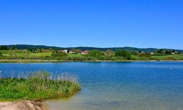 gite-groupe-jura-lac de l'abbaye